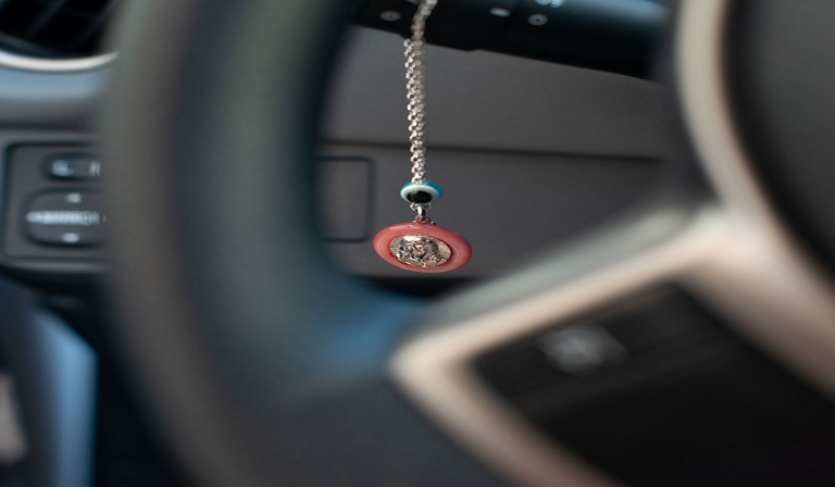 Οδηγός η ΠΑΝΑΓΙΑ σε κάθε διαδρομή σου!